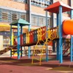 Como escolher os melhores brinquedos para playground?