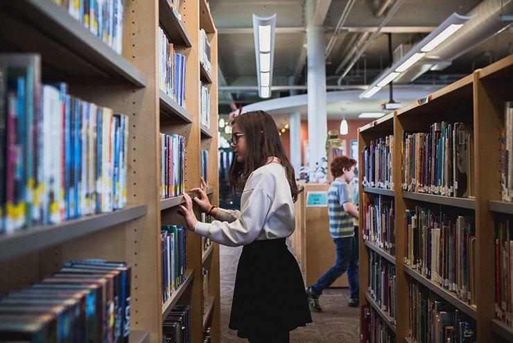 como organizar uma biblioteca escolar