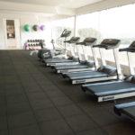 Piso para academia: descubra como ele garante segurança na hora de praticar atividade física